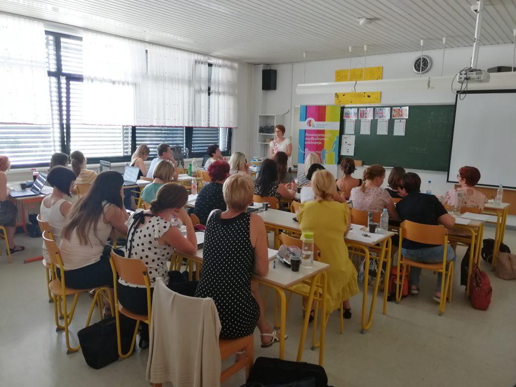Usposabljanje za delo z učenci priseljenci